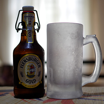 Flensburger Gold Beer, RICOH PENTAX K-S2, smc PENTAX-DA 35mm F2.4 AL