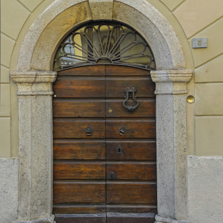 Another italian door, Sony DSC-HX30V