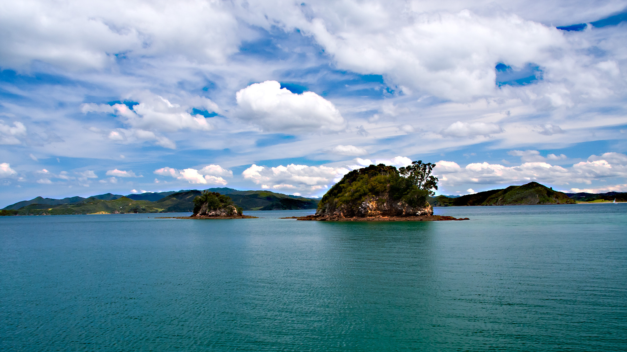 Photograph The Bay of Islands by Clive Hollingshead on 500px
