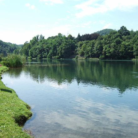 Lawn and Water, Fujifilm FinePix F10