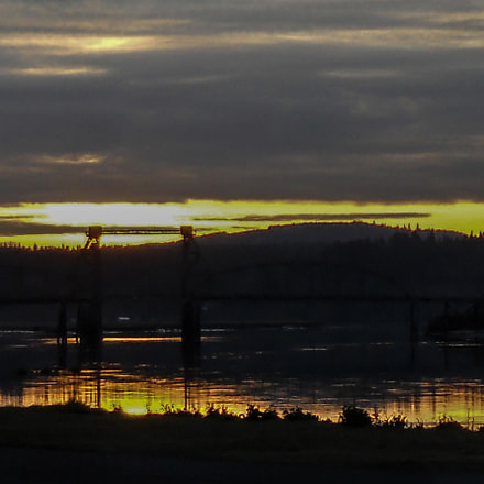 Sunrise Coquille river bridge, Nikon COOLPIX L24