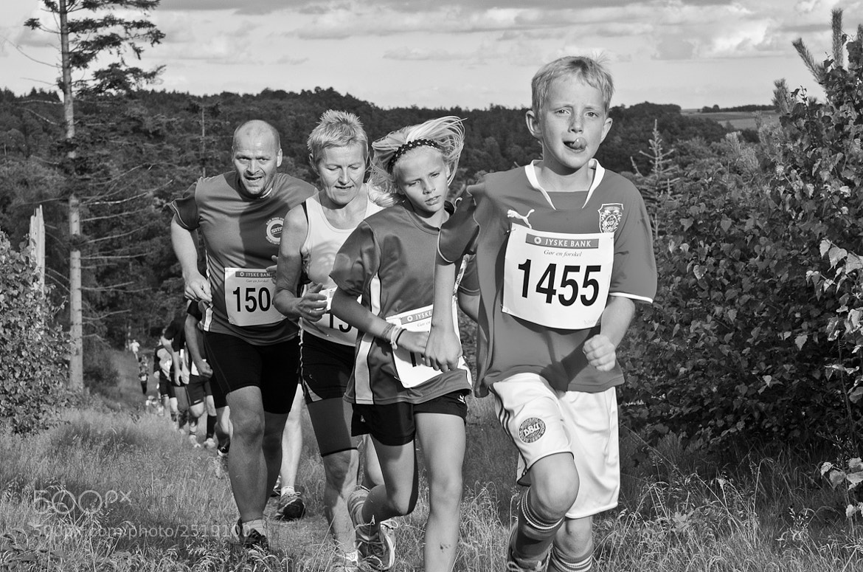 Photograph Family on the run by Daniel Hoffmann on 500px