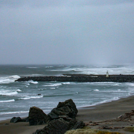 Lighthouse on Jetty, Nikon E995