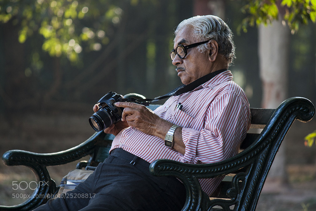 Photograph Review Time... by Vinod Nanaiah on 500px