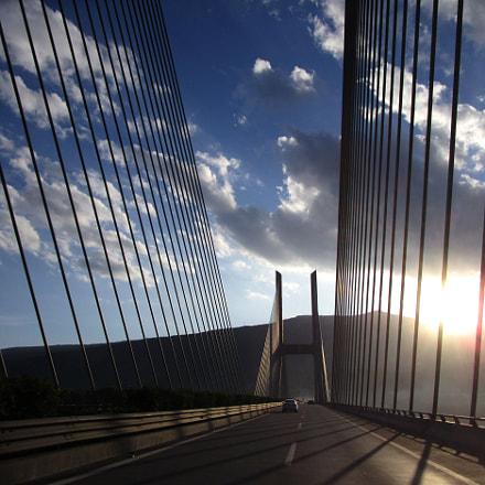 cable-stayed bridge, Canon IXUS 155