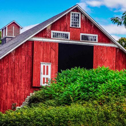 The Red Barn, Sony DSC-TX30