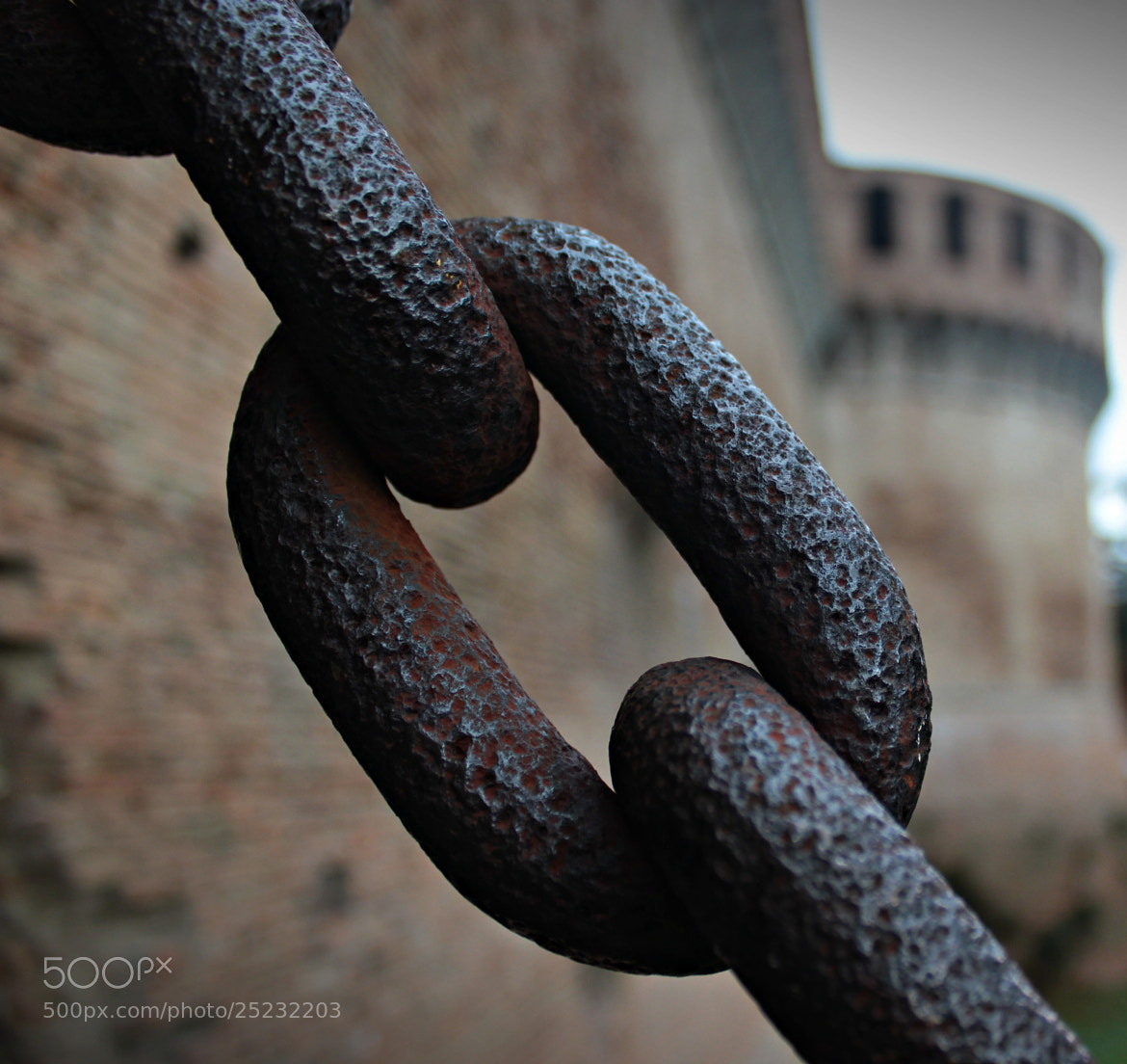 Photograph Chained by Steve Davies on 500px