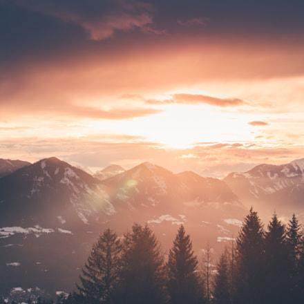 Sunset with beautiful warm light, Kärtnen