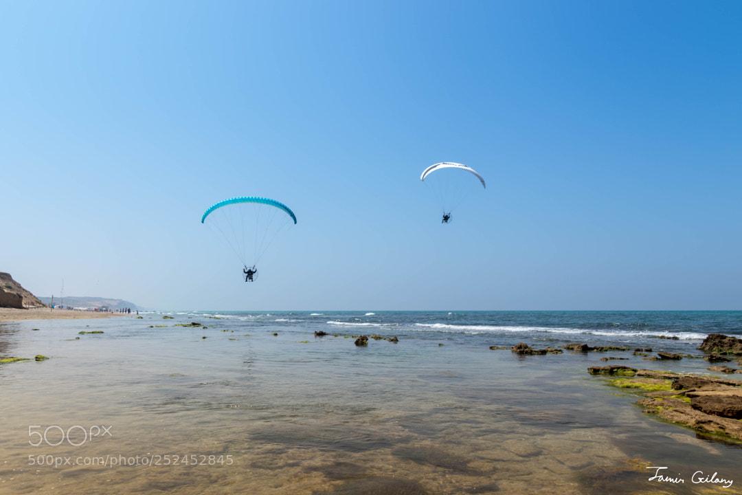 Paragliding at the horizon