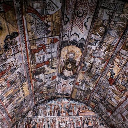 Inside the church, Fujifilm FinePix HS35EXR