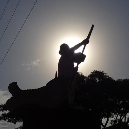 The Statue Silhouette, Sony DSC-QX10
