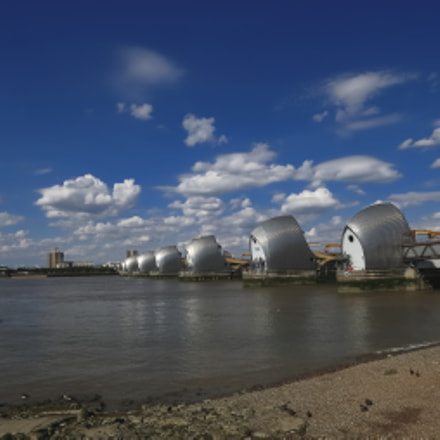 Thames barriers and the, Canon EOS 70D, Canon EF-S 10-22mm f/3.5-4.5 USM