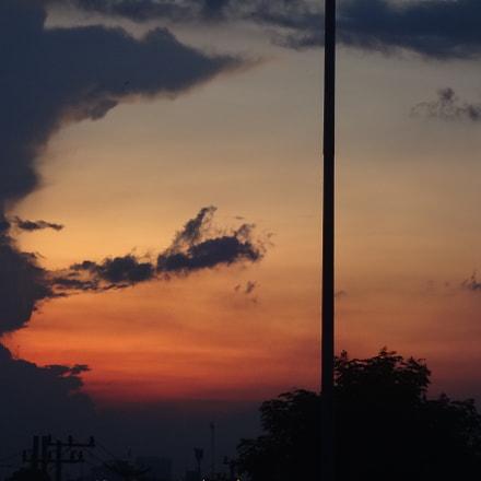 Red Sundown, Sony DSC-QX10