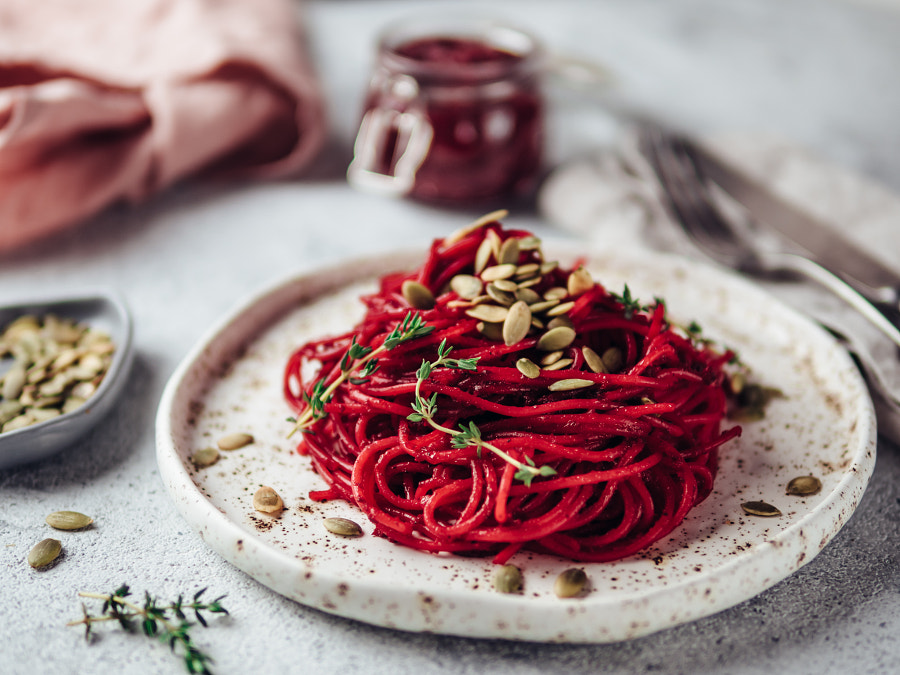 beetroot and thyme spaghetti with pumpkin seed by Fascinadora on 500px.com