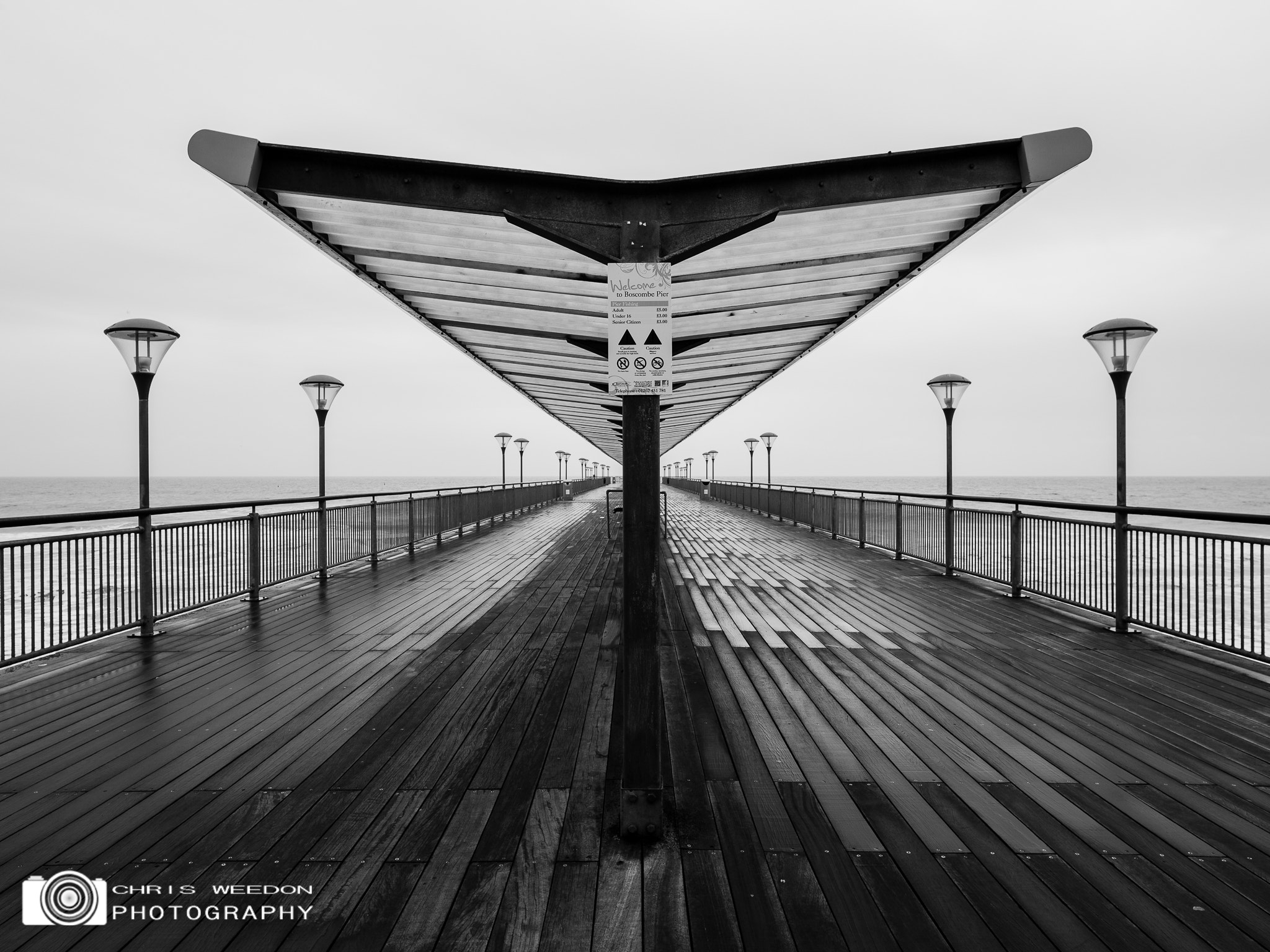 Photograph Symmetry  by Chris  Weedon  on 500px