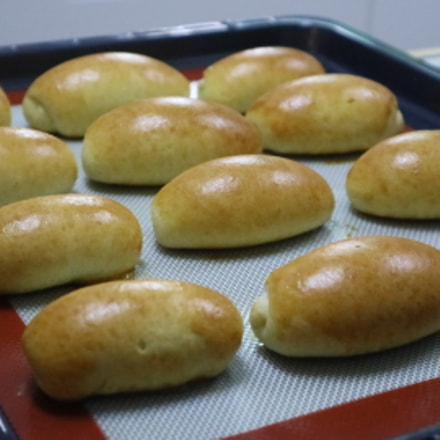 Butter rolls (wild yeast), Canon EOS M3, Canon EF-M 15-45mm f/3.5-6.3 IS STM