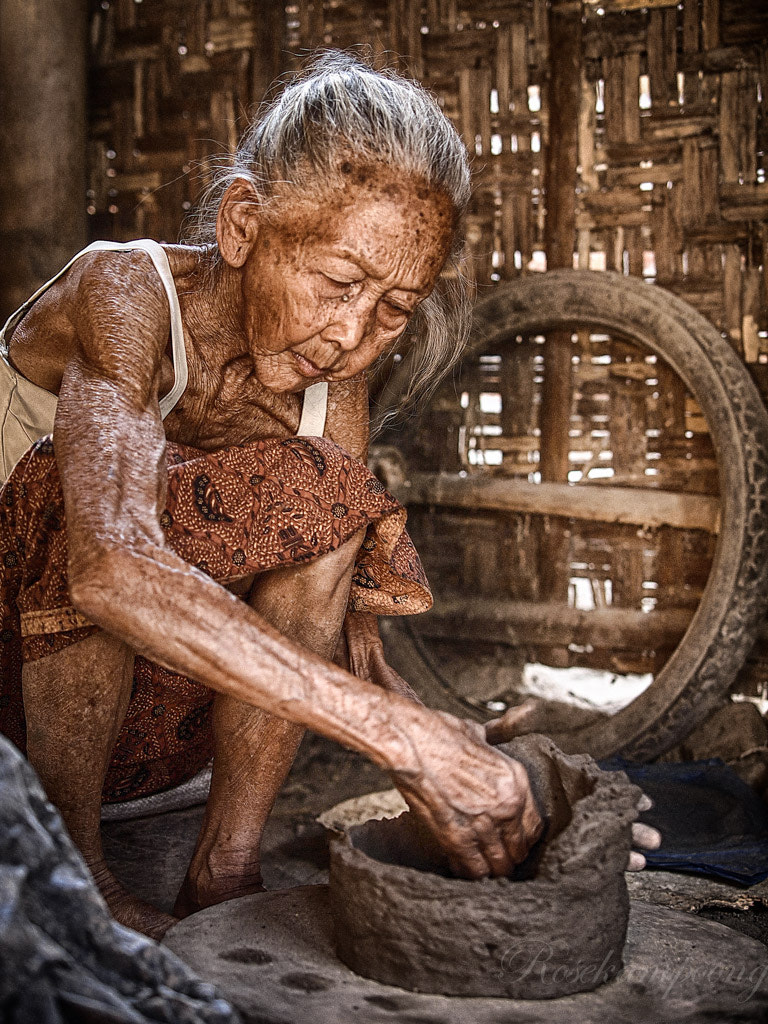 Photograph Pottery Craft Maker by Rose Kampoong on 500px