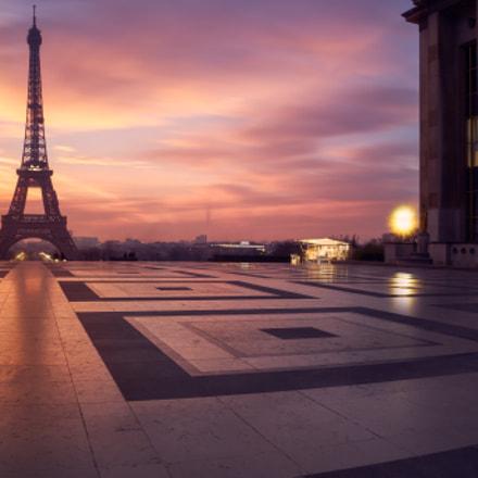 Eiffel Tower, Sony ILCE-7RM2, FE 24-70mm F4 ZA OSS