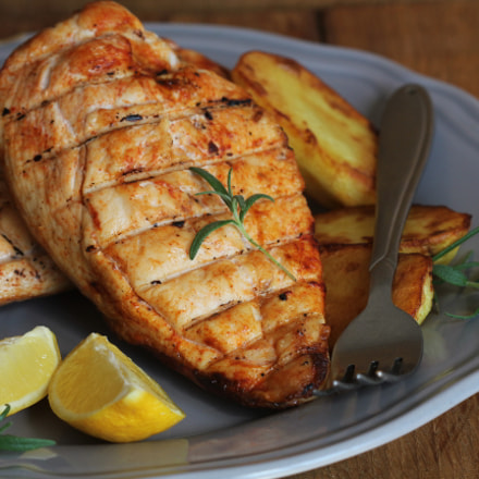 Grilled chicken breast with, Canon EOS 550D, Canon EF 80-200mm f/4.5-5.6