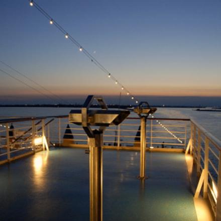 View ship bridge, Nikon D200, AF-S DX VR Zoom-Nikkor 18-200mm f/3.5-5.6G IF-ED