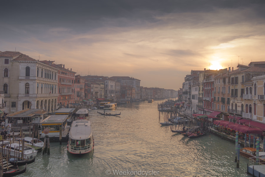 Dal ponte di Rialto by weekendcycler1015 on 500px.com