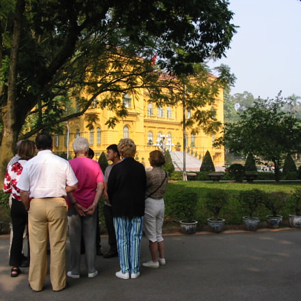 Visiting palaces in Hanoi, Canon POWERSHOT A20