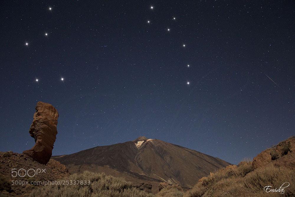 Photograph Teide, Roque Cinchado y Constelaciones by Emidai  on 500px