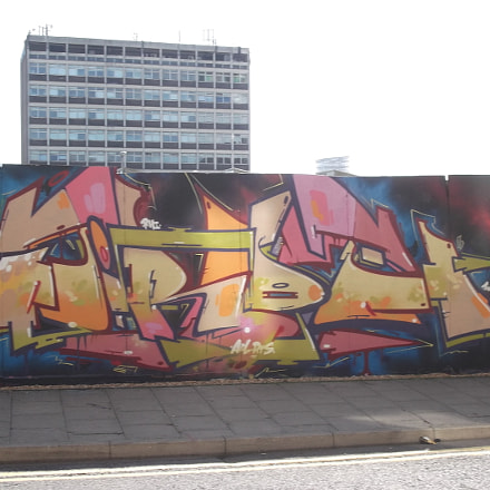 Pink Yellow Orange Graffiti, Fujifilm FinePix JV250