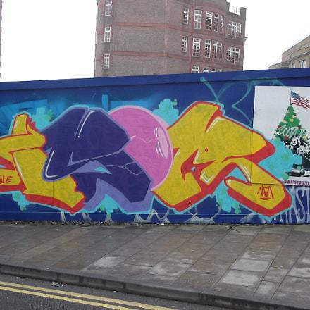 Yellow Blue Pink Graffiti, Fujifilm FinePix JV250