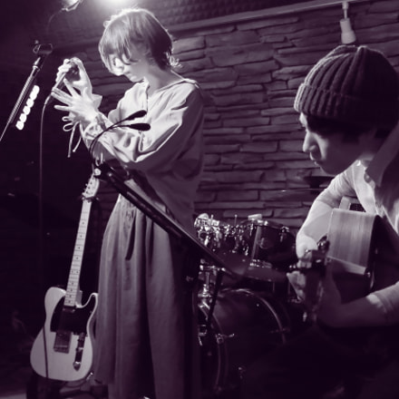 Concert in bar, Canon EOS KISS X7, Canon EF-S 24mm f/2.8 STM