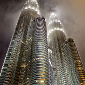 Petronas Twin Towe - Rising Up.步步高升。 by FaceChoo Yong (FacechooYong)) on 500px.com