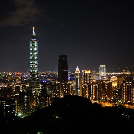 Light in the Night, Sony ILCA-77M2, Sony DT 16-50mm F2.8 SSM (SAL1650)
