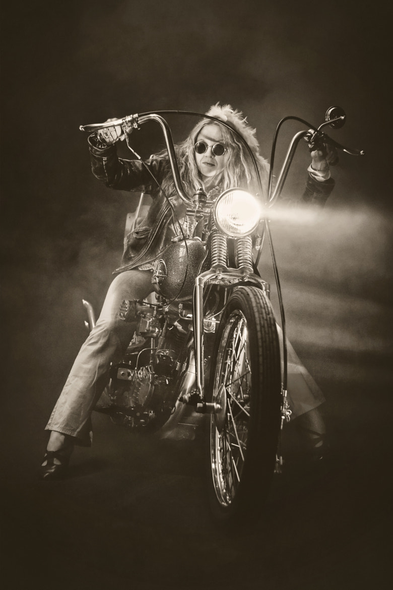 Photograph Rock´n Roll Singer by Pette Rissanen on 500px