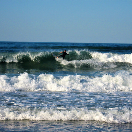 Port Elizabeth Surfer, Canon POWERSHOT A540