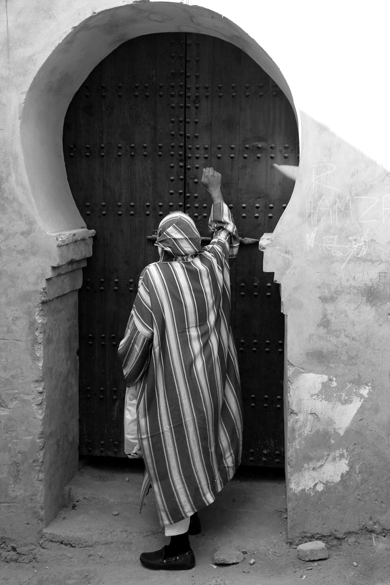 Photograph KNOCKING AT THE DOOR by armando cuéllar on 500px