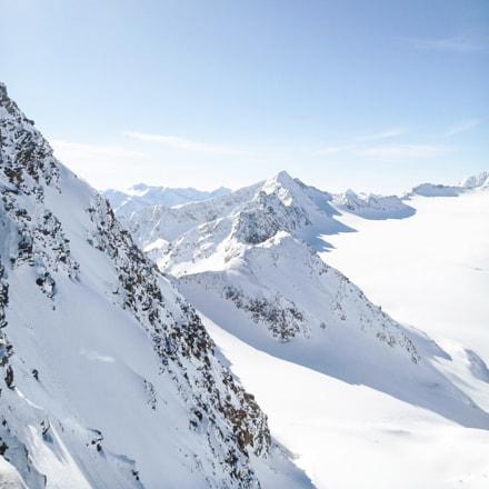 Peaks covered in snow, Panasonic DMC-FT2