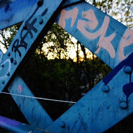 Guardrail at sunset, Sony SLT-A65V, Carl Zeiss Vario-Sonnar T* DT 16-80mm F3.5-4.5 ZA (SAL1680Z)