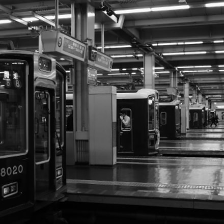 UMEDA STATION, Canon EOS-1D MARK III, Tamron SP AF 28-75mm f/2.8 XR Di LD Aspherical [IF] Macro