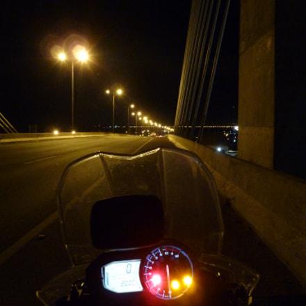 Luzes na estrada à noite, Panasonic DMC-ZS7