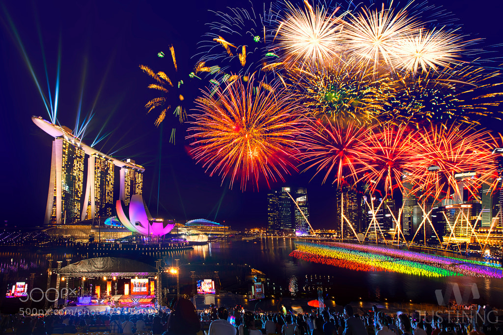 Photograph Happy New Year 2013 Singapore by Justin Ng on 500px