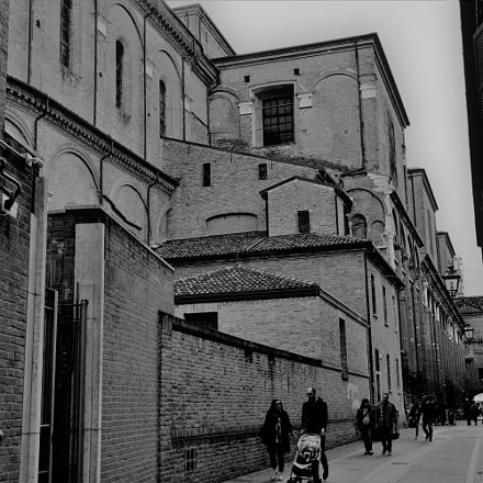 Ferrara, Nikon D3200, AF-S DX Zoom-Nikkor 18-135mm f/3.5-5.6G IF-ED