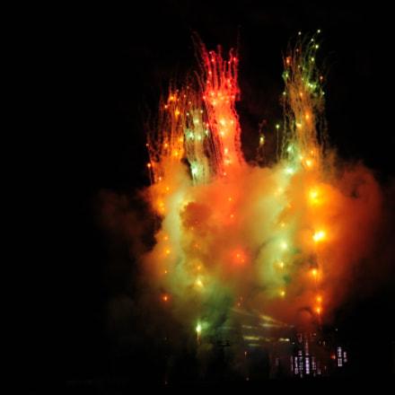 Fireworks, Nikon D300, AF Zoom-Nikkor 24-85mm f/2.8-4D IF