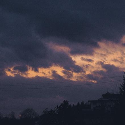 fluffy clouds, Nikon D70S, AF-S DX Zoom-Nikkor 18-55mm f/3.5-5.6G ED II