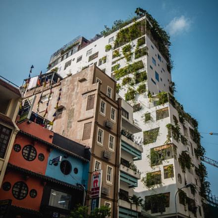 green building, Fujifilm XF1