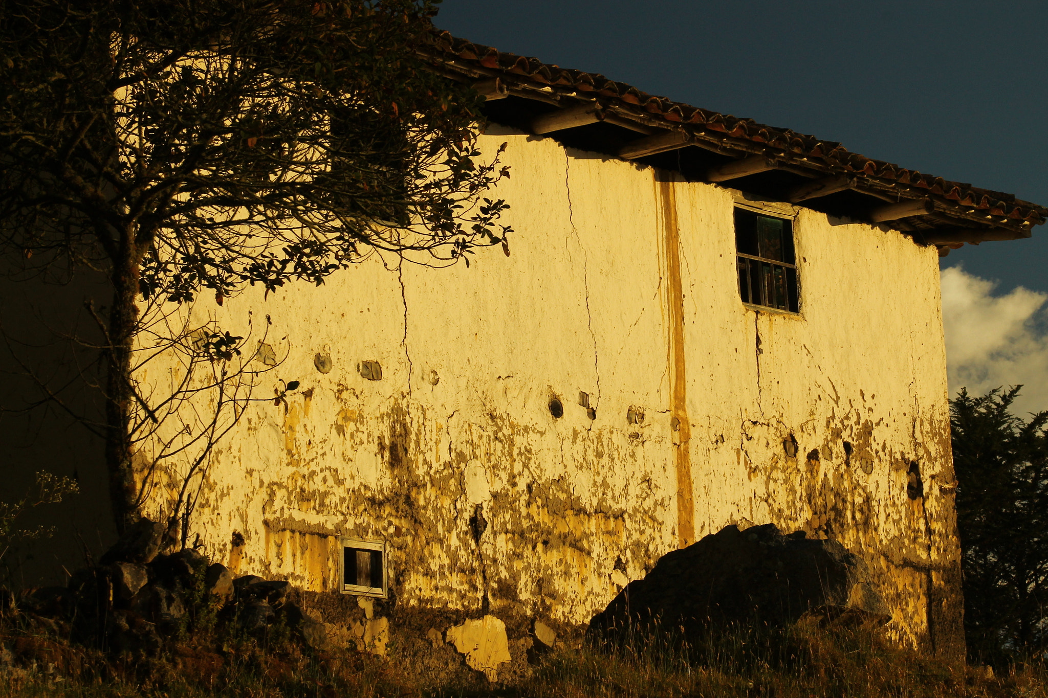 Photograph The old house by Andrés GS on 500px