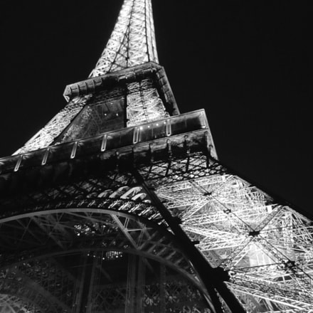 Eiffel Tower 20180420, Canon IXUS 230 HS