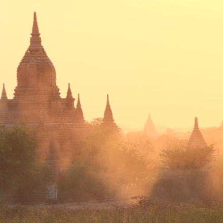 Bagan Abendstimmung 3, Canon EOS KISS X6I, Canon EF-S 55-250mm f/4-5.6 IS II