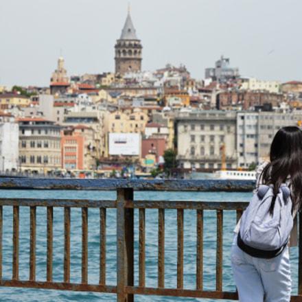 Girl looking at the, Nikon D3200, AF-S DX Zoom-Nikkor 55-200mm f/4-5.6G ED