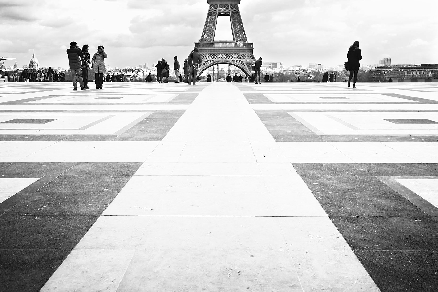 Photograph Perspective et au delà. by Laurence Penne on 500px
