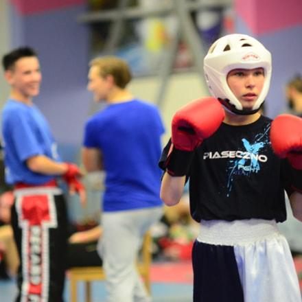 Kickboxer in defensive stance, Nikon D7000, Sigma 50-150mm F2.8 EX APO DC HSM